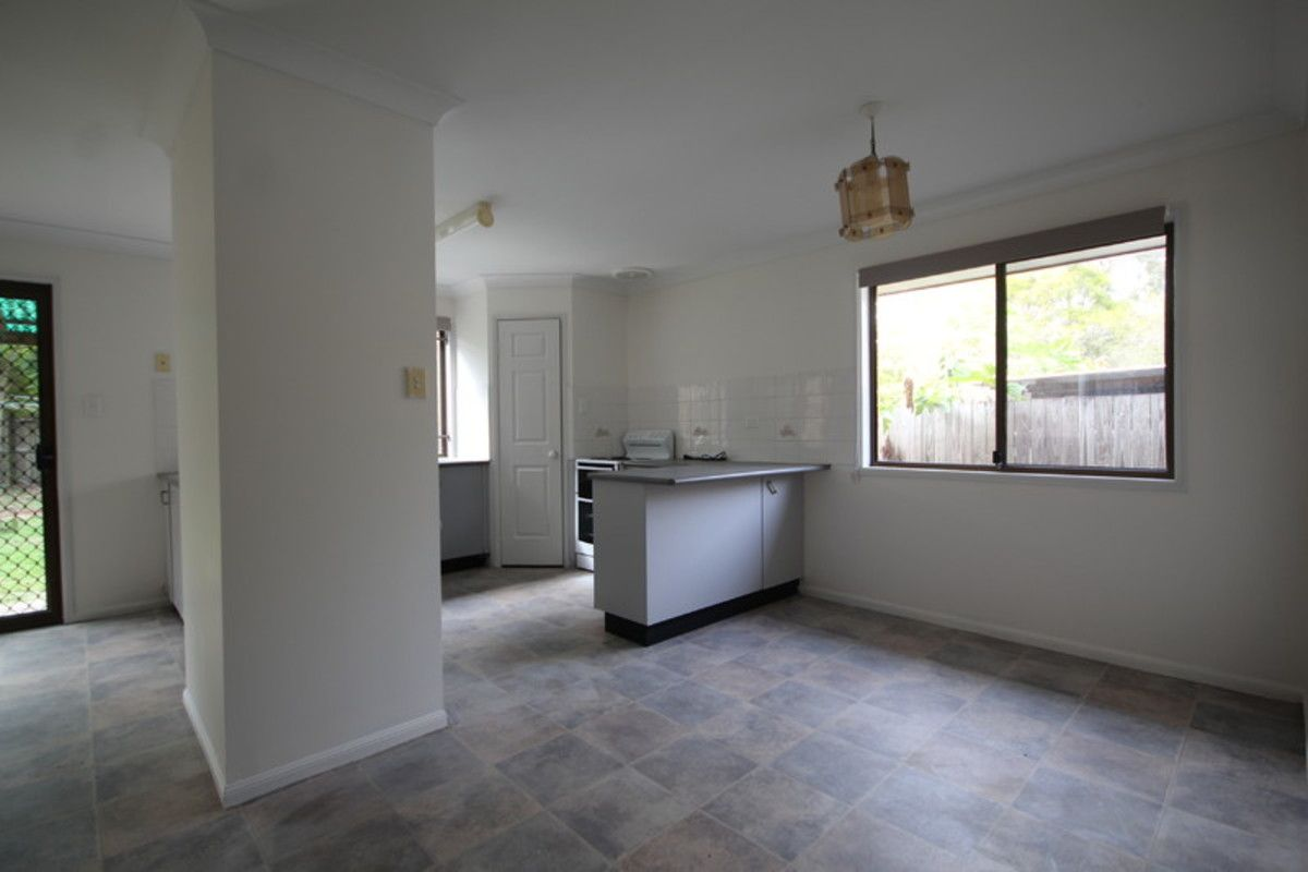 48 Beaufront Place, Forest Lake QLD 4078, Image 2