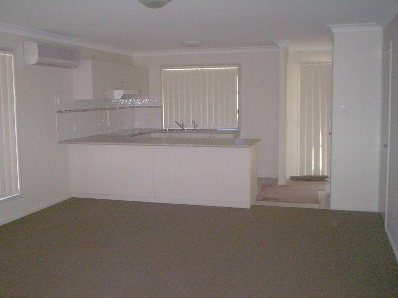1/18 James Street, Kingaroy QLD 4610, Image 1