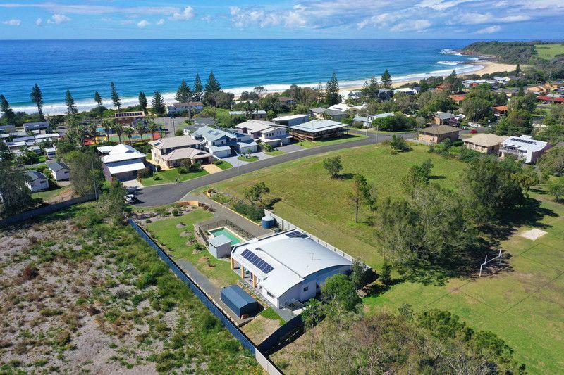 70 Anniversary Drive, Diamond Beach NSW 2430, Image 1