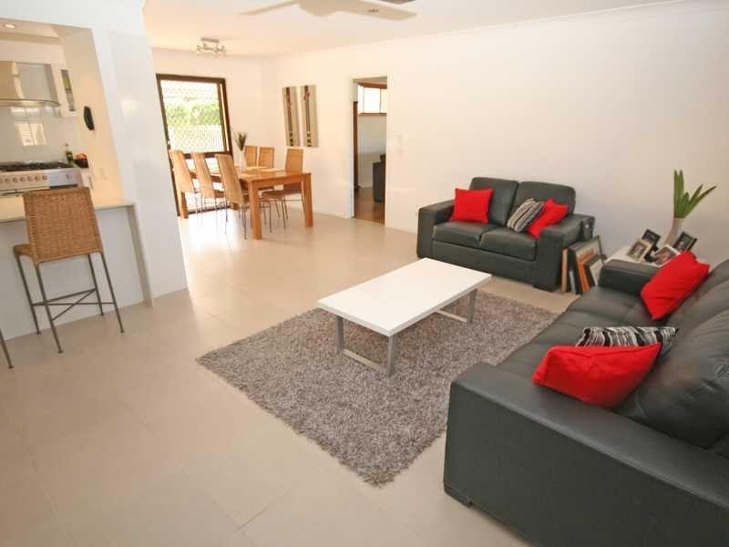 225 Mallawa Drive, Palm Beach QLD 4221, Image 2