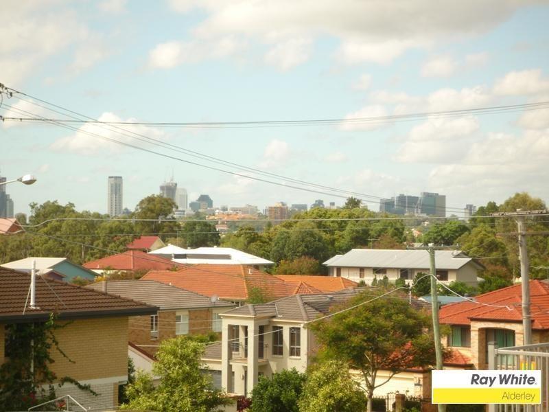 45 Huxley Avenue, Alderley QLD 4051, Image 2