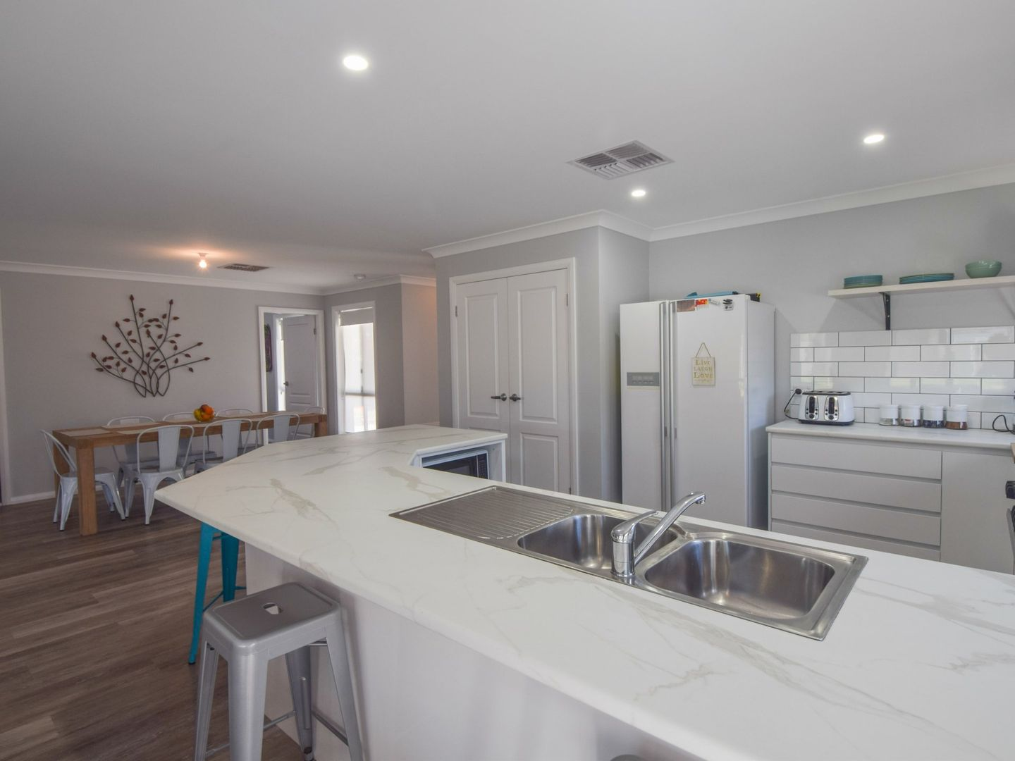 8 Briggs Street, Young NSW 2594, Image 0