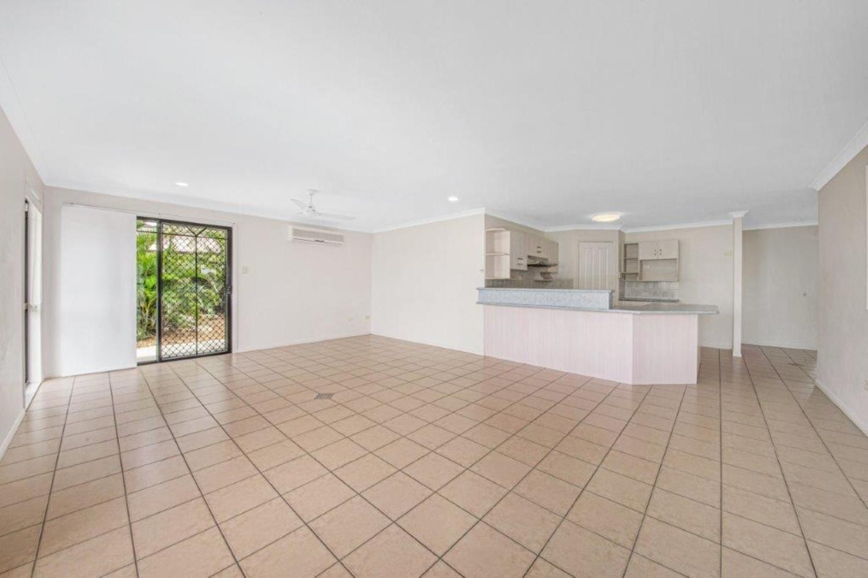 8 Kensington Place, Kin Kora QLD 4680, Image 2