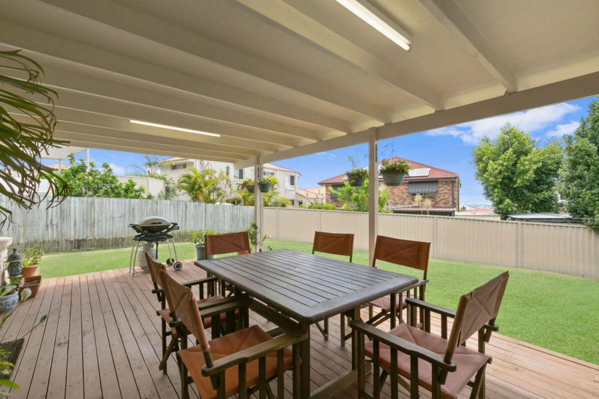 11 Ballah Crescent, Highland Park QLD 4211, Image 1