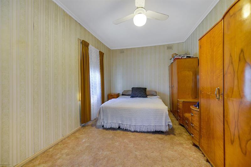 8 Moreshead St, Greenacres SA 5086, Image 2