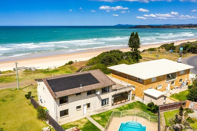 Picture of 3 Seaview Parade, WALLABI POINT NSW 2430