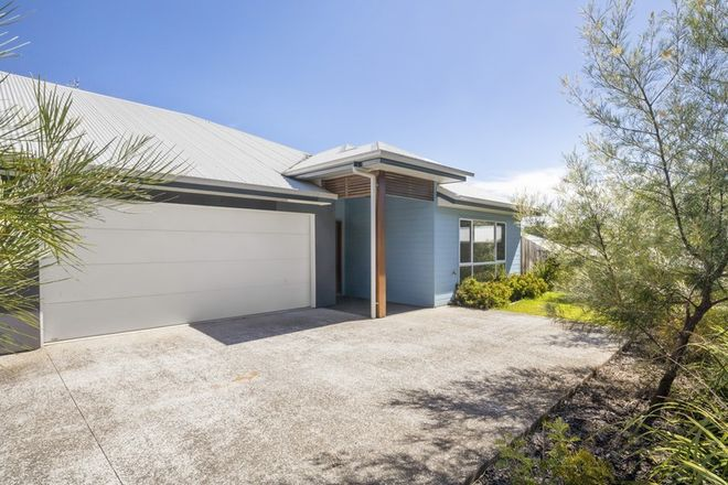 Picture of 2/34 Egret Avenue, WOOMBYE QLD 4559