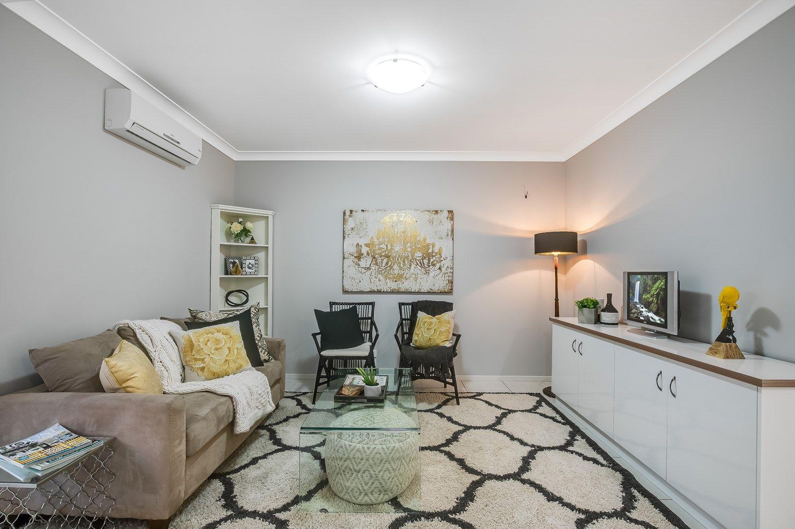 2/5 Messines Street, Harlaxton QLD 4350, Image 2
