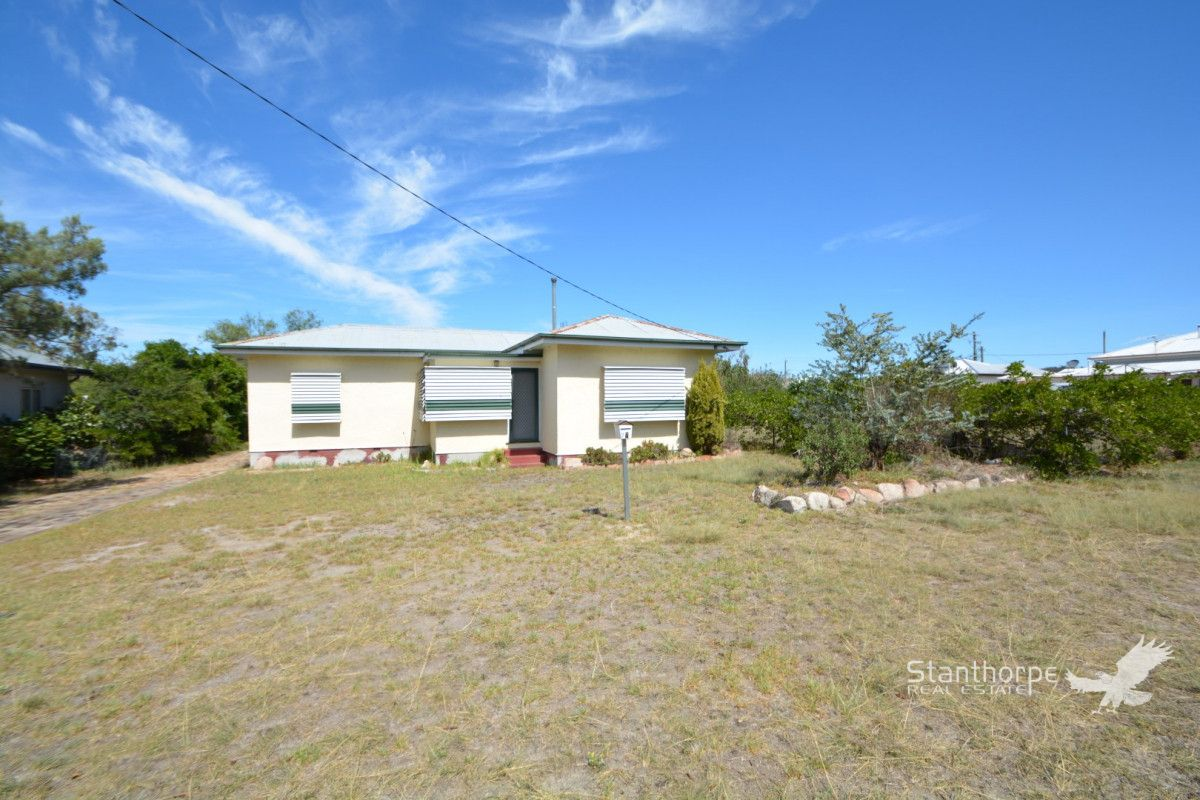 27 Stanton Street, Stanthorpe QLD 4380, Image 2