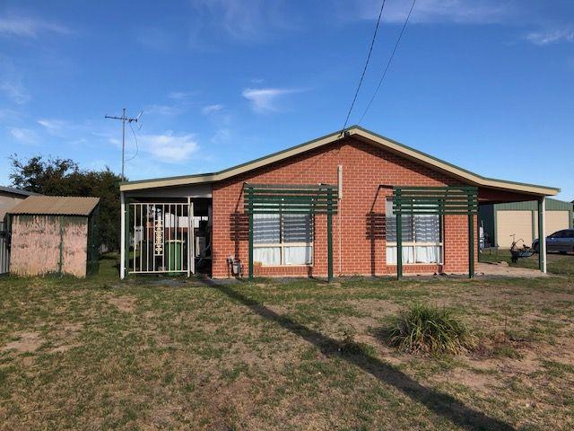 17 Sunnyside Crescent, Walla Walla NSW 2659, Image 0