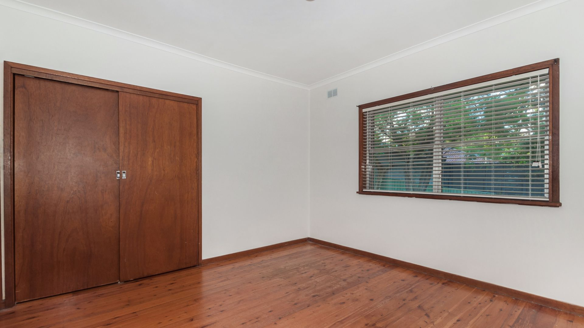 4/4 Buckle Crescent, West Wollongong NSW 2500, Image 2