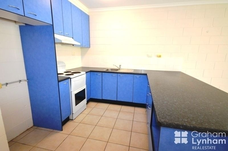2/135 Eyre Street, North Ward QLD 4810, Image 2
