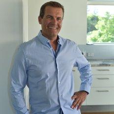 Glen Archer, Sales representative
