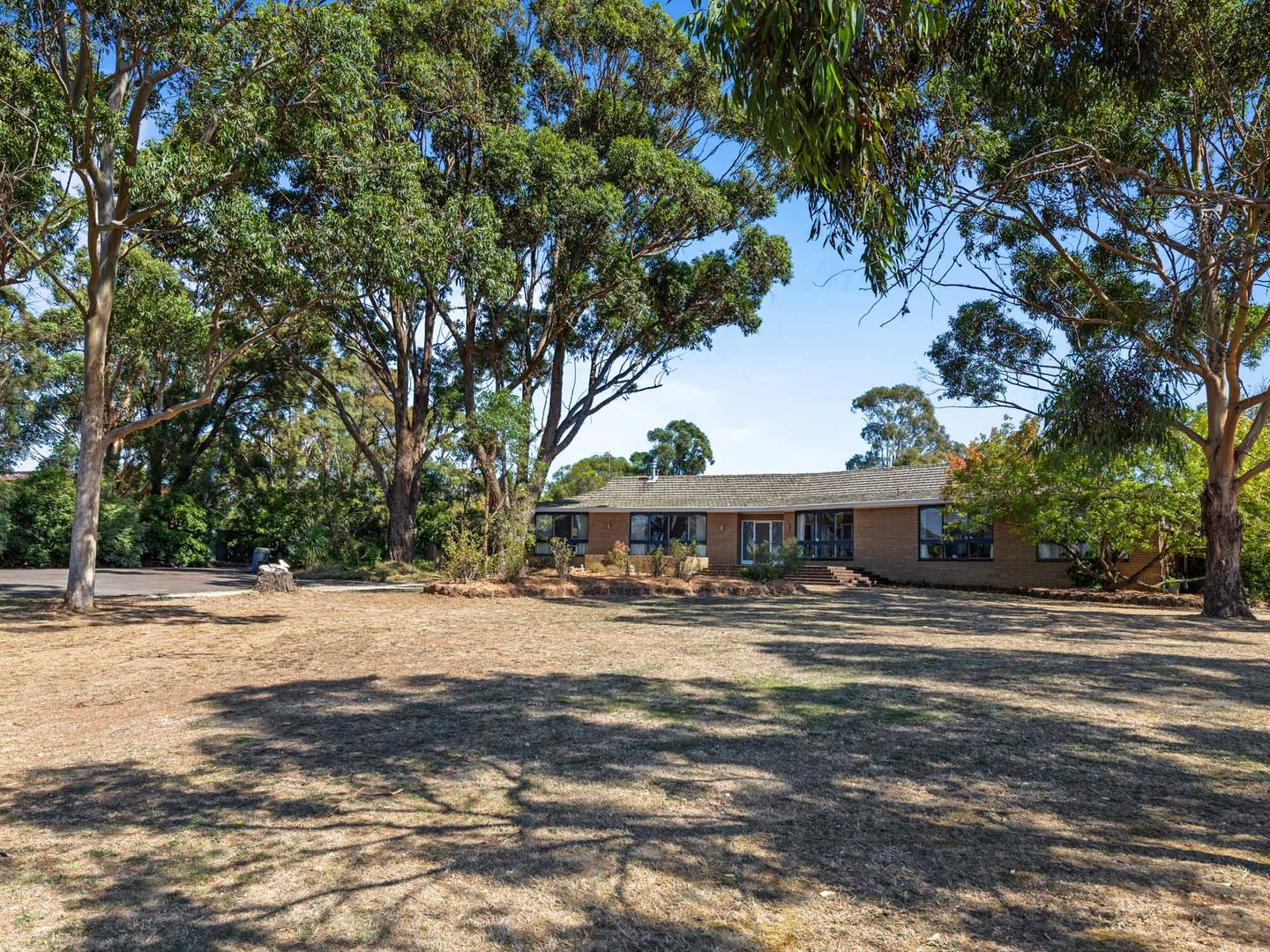 77 Howe Street, Miners Rest VIC 3352, Image 0