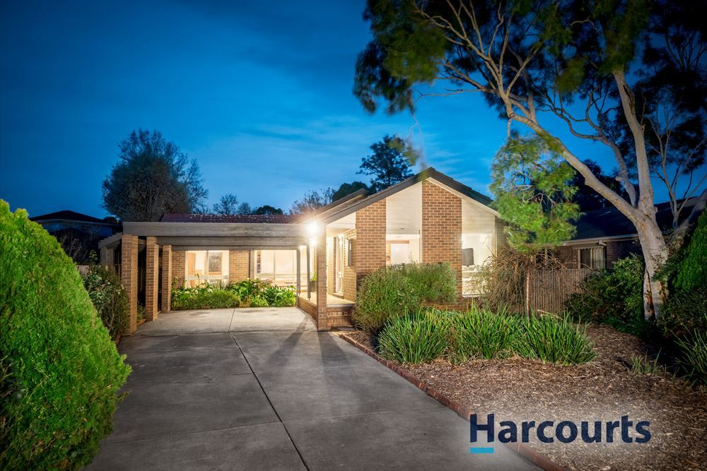 9 Chequers Close, Wantirna VIC 3152, Image 2