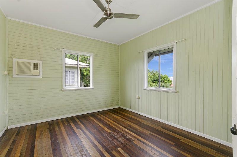 1/3 (3a) Barron Street, West End QLD 4810, Image 2