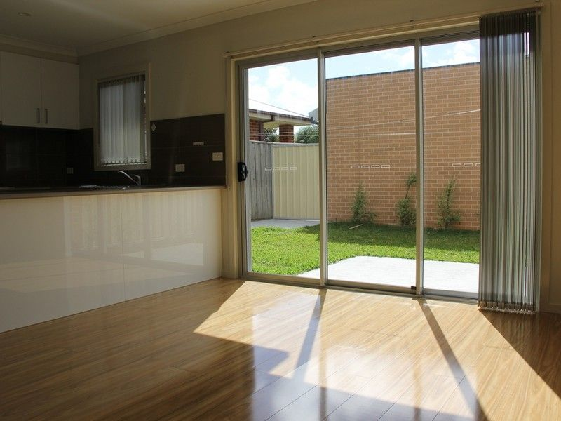2/90 Theodore St, St Albans VIC 3021, Image 1