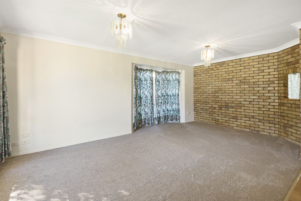 14 Robindale Drive, Darling Heights QLD 4350, Image 2