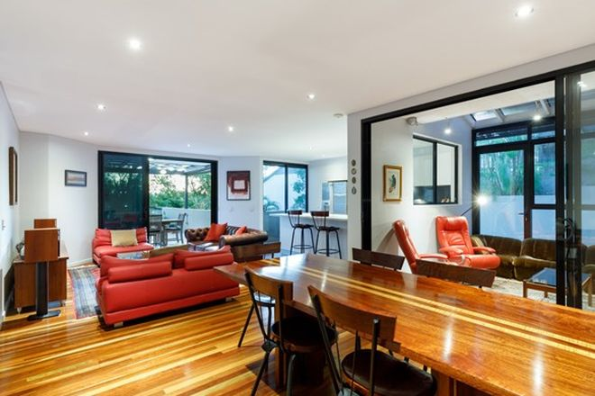 Picture of 2/11 Rosecliffe Street, HIGHGATE HILL QLD 4101