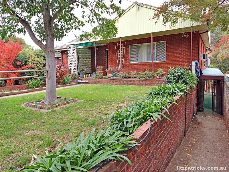 18 Colong Place, Kooringal NSW 2650, Image 0