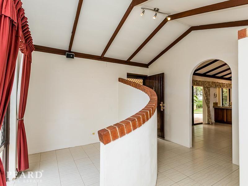 8 Anadara Place, Mullaloo WA 6027, Image 2