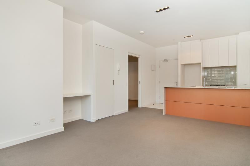 2105/8 Franklin Street, Melbourne VIC 3000, Image 2