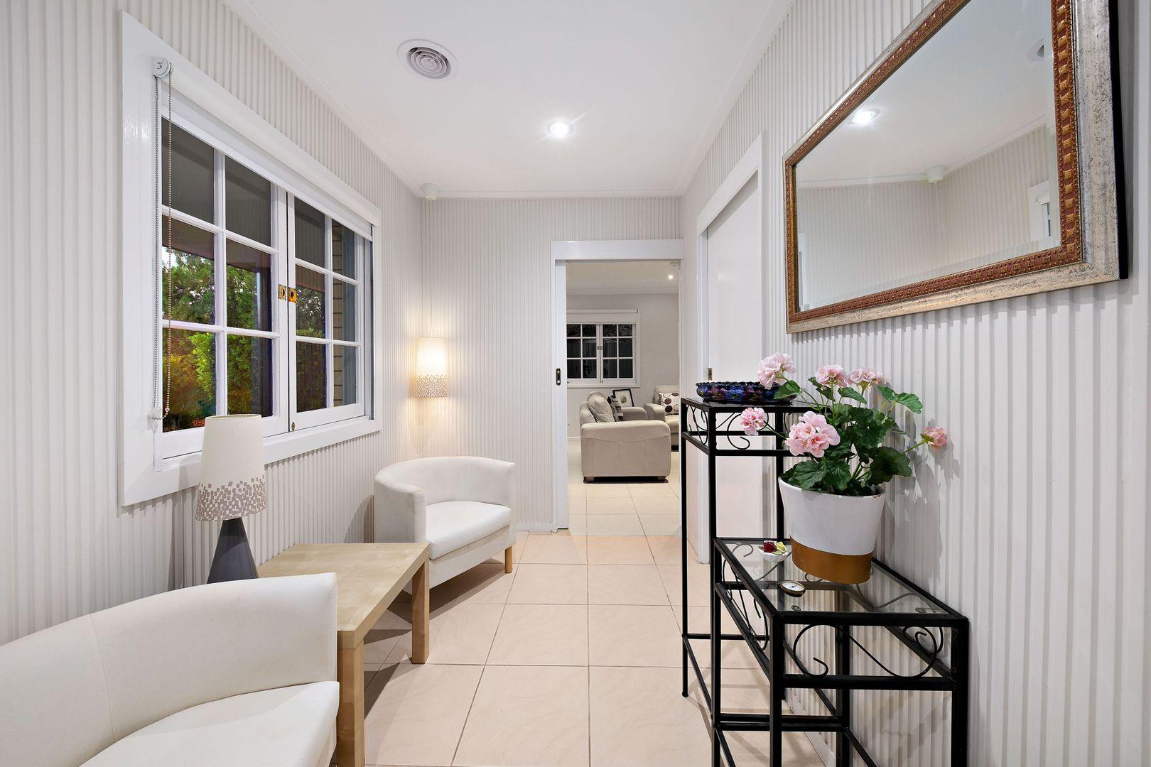 17 Chipala St, Jindalee QLD 4074, Image 2