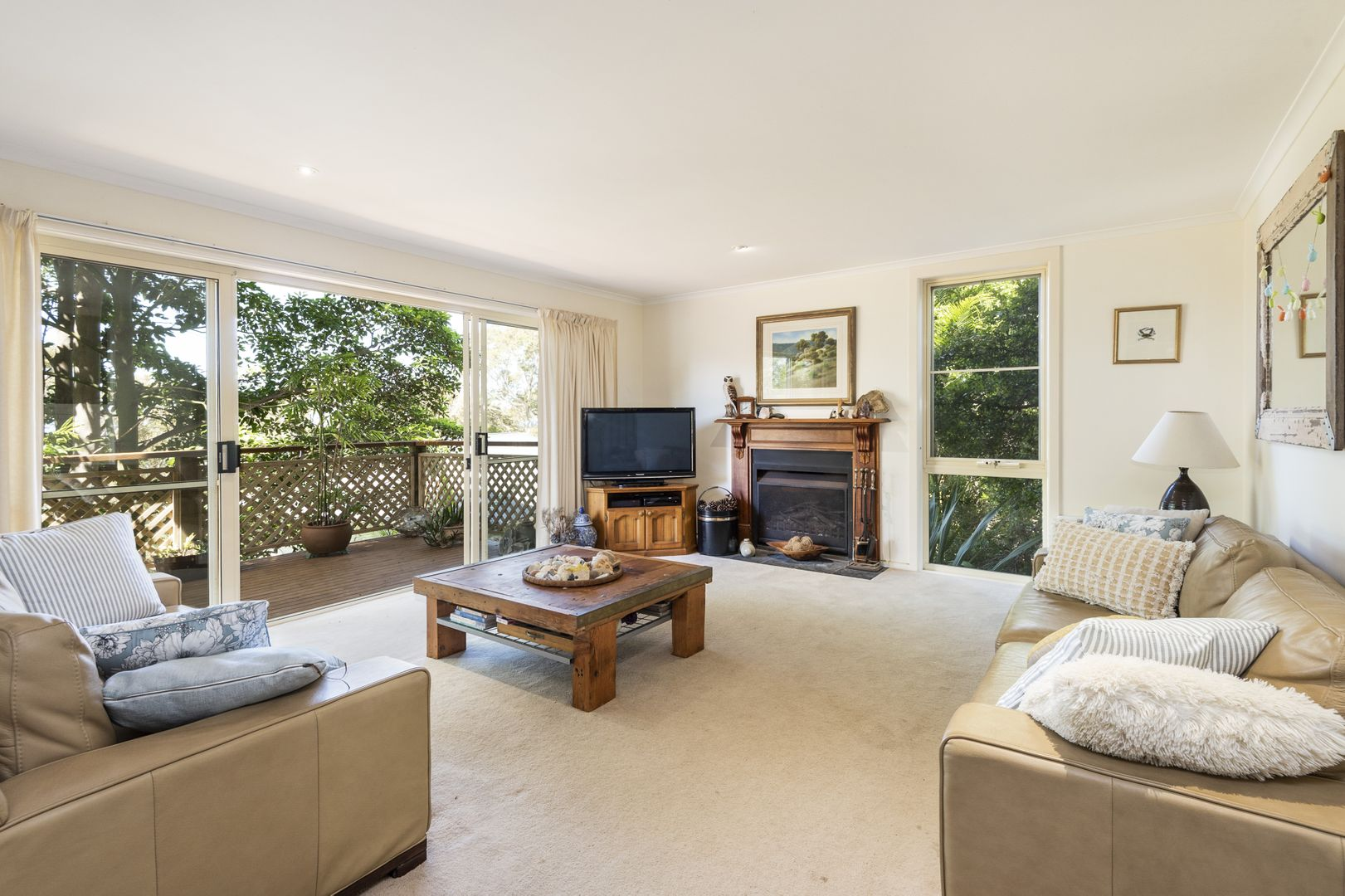 8 Riviera Avenue, Avalon Beach NSW 2107, Image 0