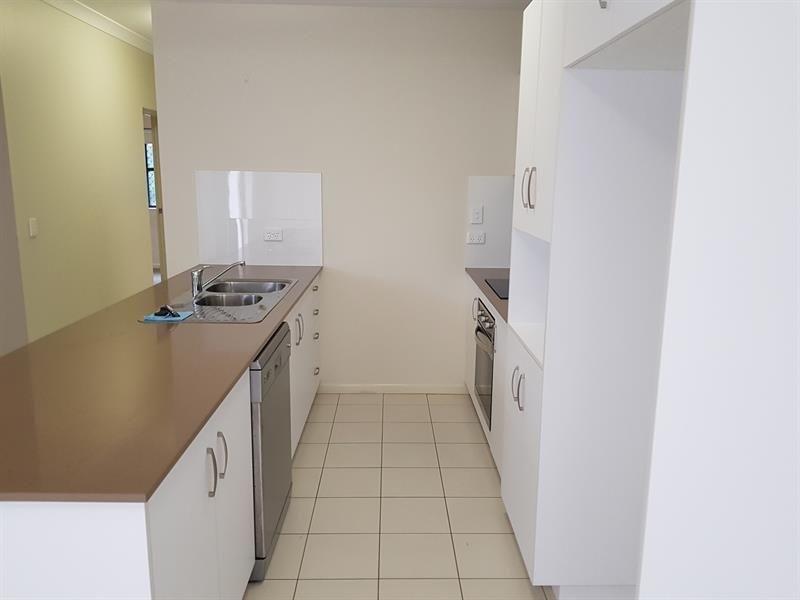 10/4 Joyce Street, East Ipswich QLD 4305, Image 1