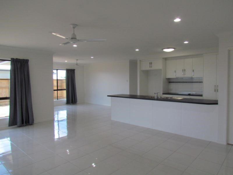 11 Primavera Boulevard, Beaconsfield QLD 4740, Image 2