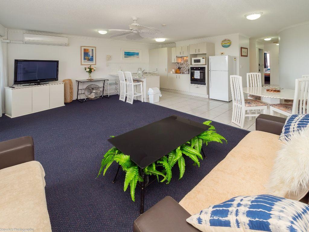 Unit 51/386 Esplanade, Torquay QLD 4655, Image 2