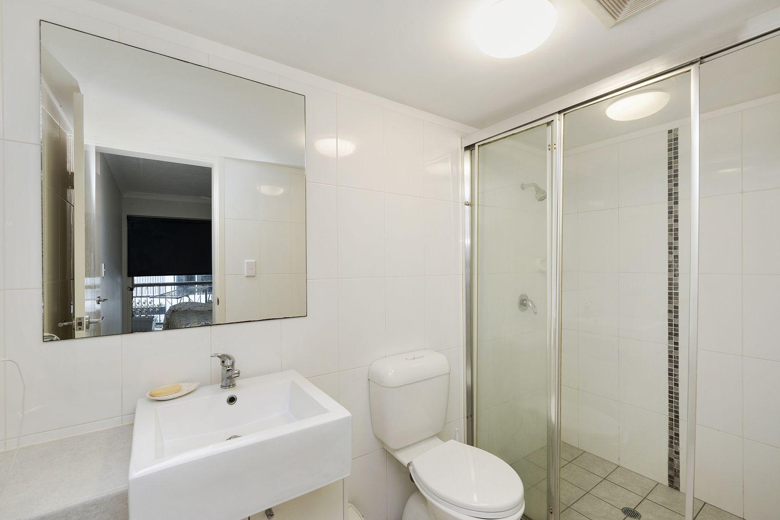 5/8 Bunton Street, Scarborough QLD 4020, Image 2