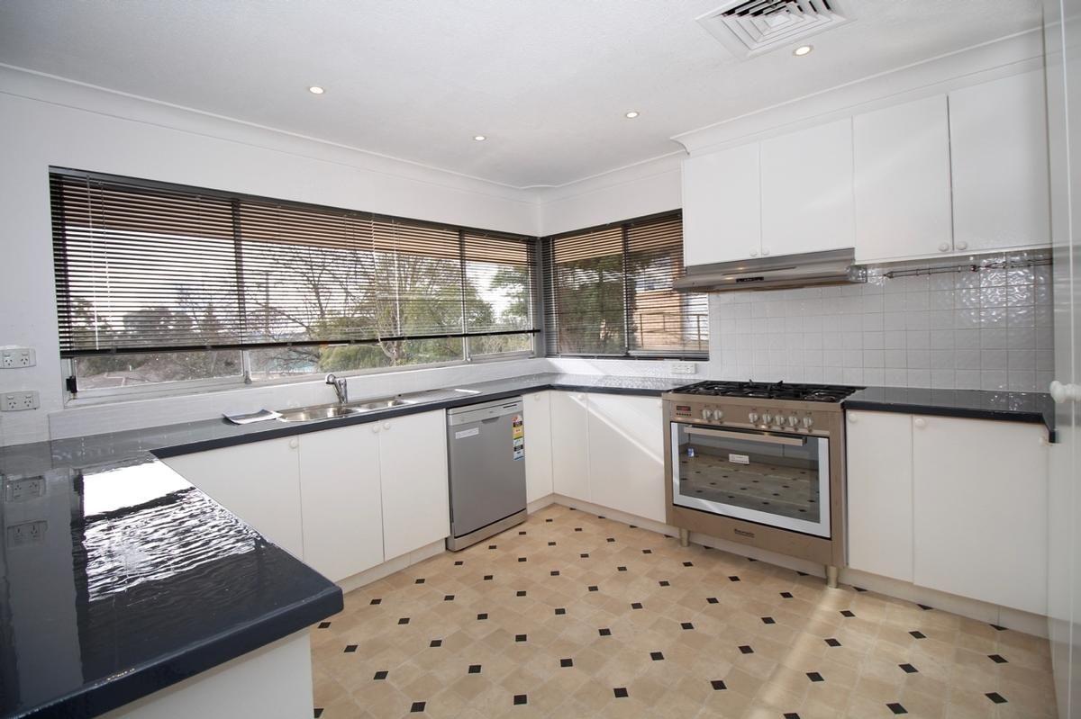20 Edgell Street, West Bathurst NSW 2795, Image 2