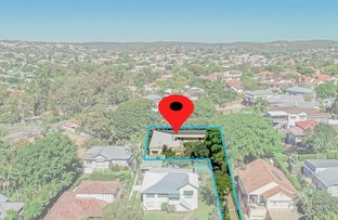 Picture of 467 Cavendish Road, Coorparoo QLD 4151