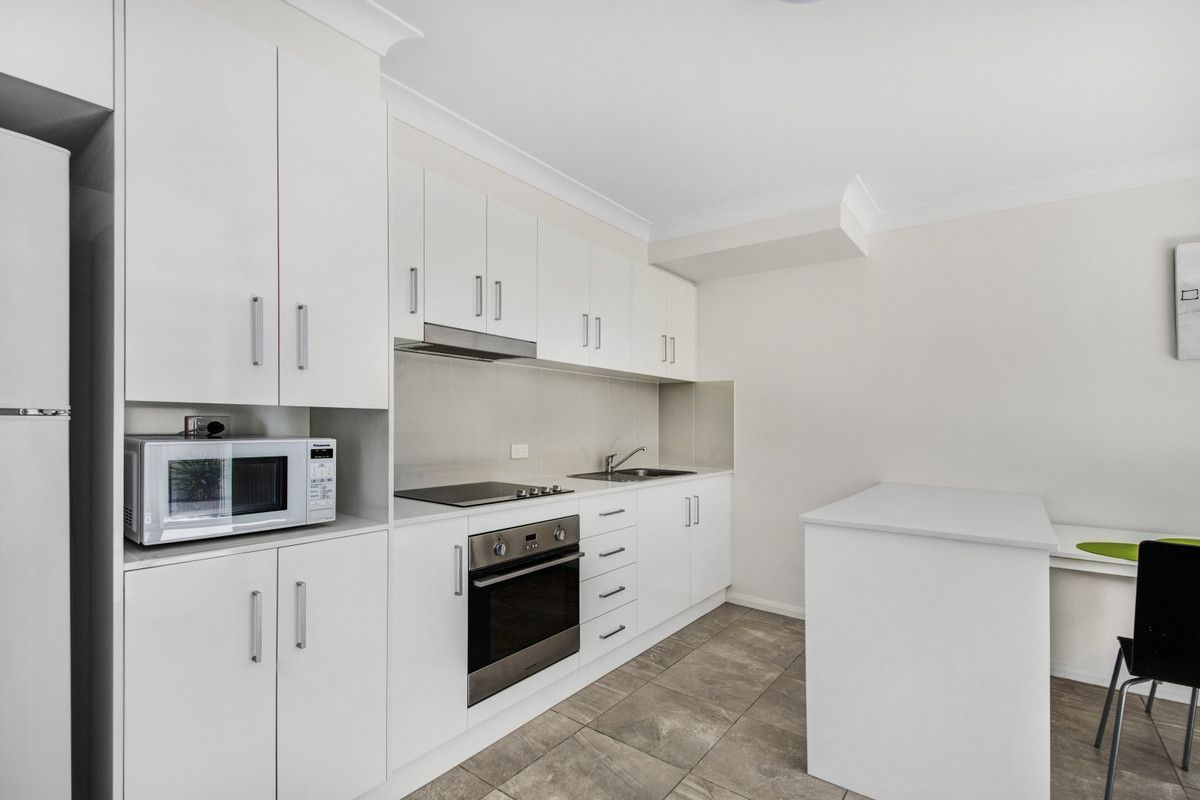 13/422 West Street, Kearneys Spring QLD 4350, Image 2