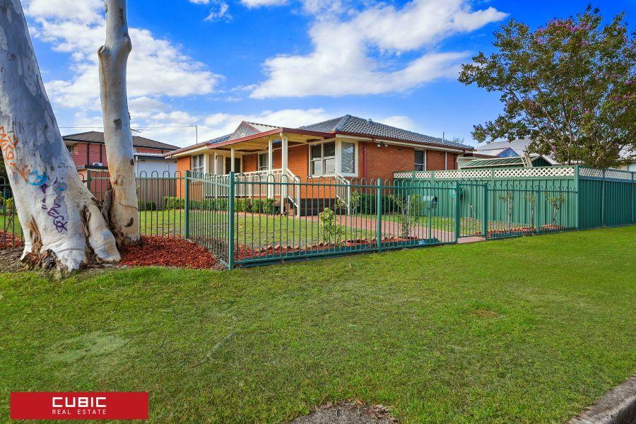 23 Madang St, Holsworthy NSW 2173, Image 1