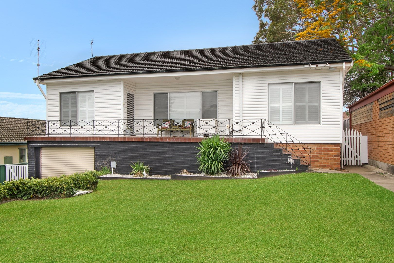 15 Burrell Crescent, Dapto NSW 2530, Image 0