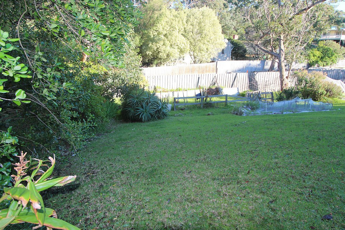 14 Cross Street, Lake Tyers Beach VIC 3909, Image 2