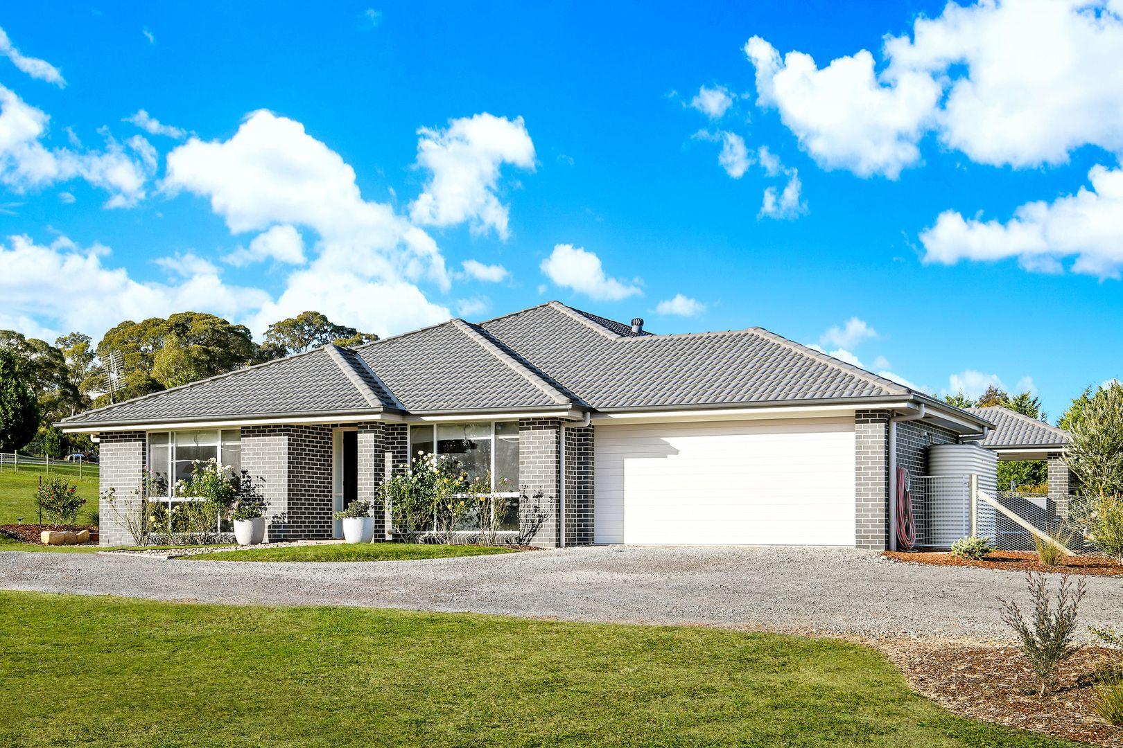 51 Farnborough Drive, Moss Vale NSW 2577, Image 0