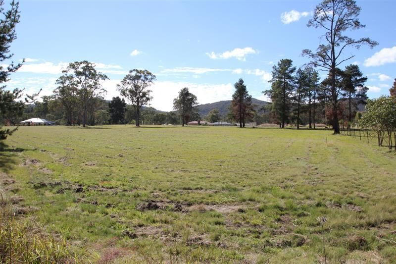 4 Happy Valley Drive, Wallangarra QLD 4383, Image 2