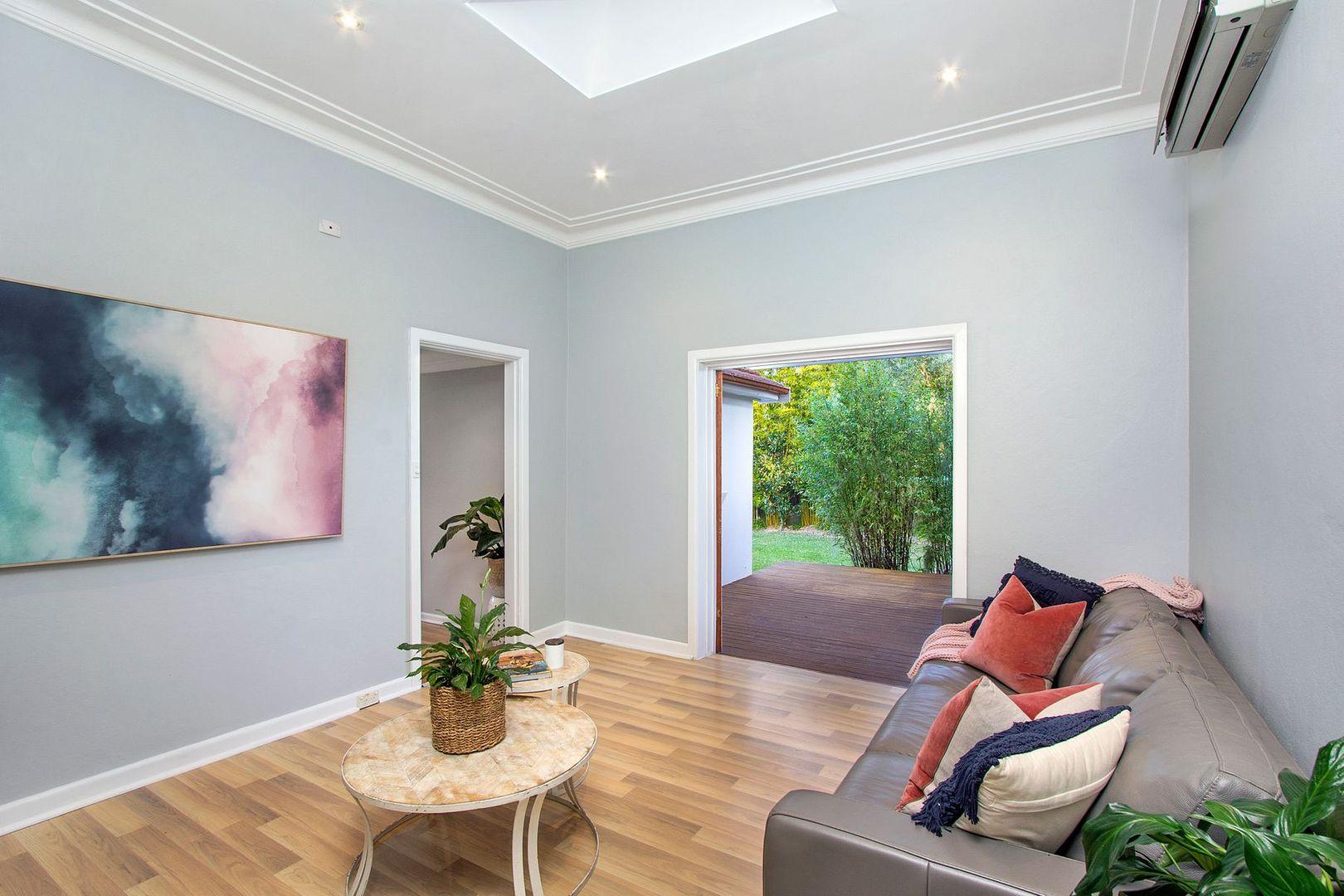 71 McIntosh Road, Narraweena NSW 2099, Image 2
