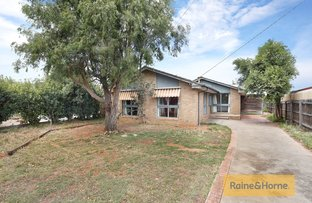 30 Hume Avenue, Melton South VIC 3338