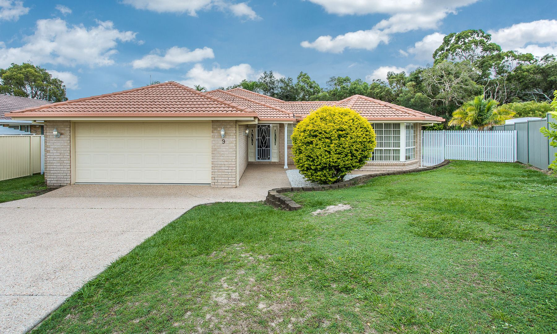 9 Jefferies Place, Sandstone Point QLD 4511, Image 1