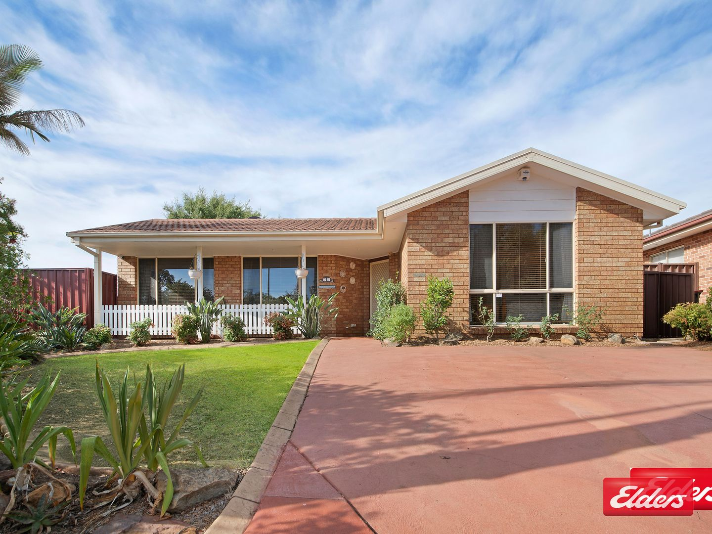 3 MOORE PL, Currans Hill NSW 2567, Image 0