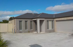 Picture of 2/3 Fishburn Grove, Melton West VIC 3337