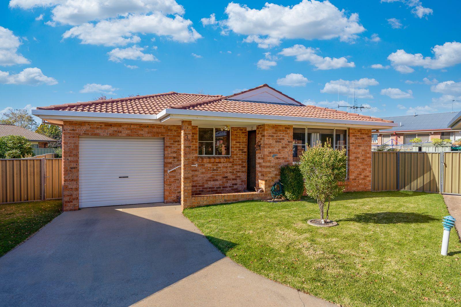 3/3 Covent Close, Orange NSW 2800, Image 0