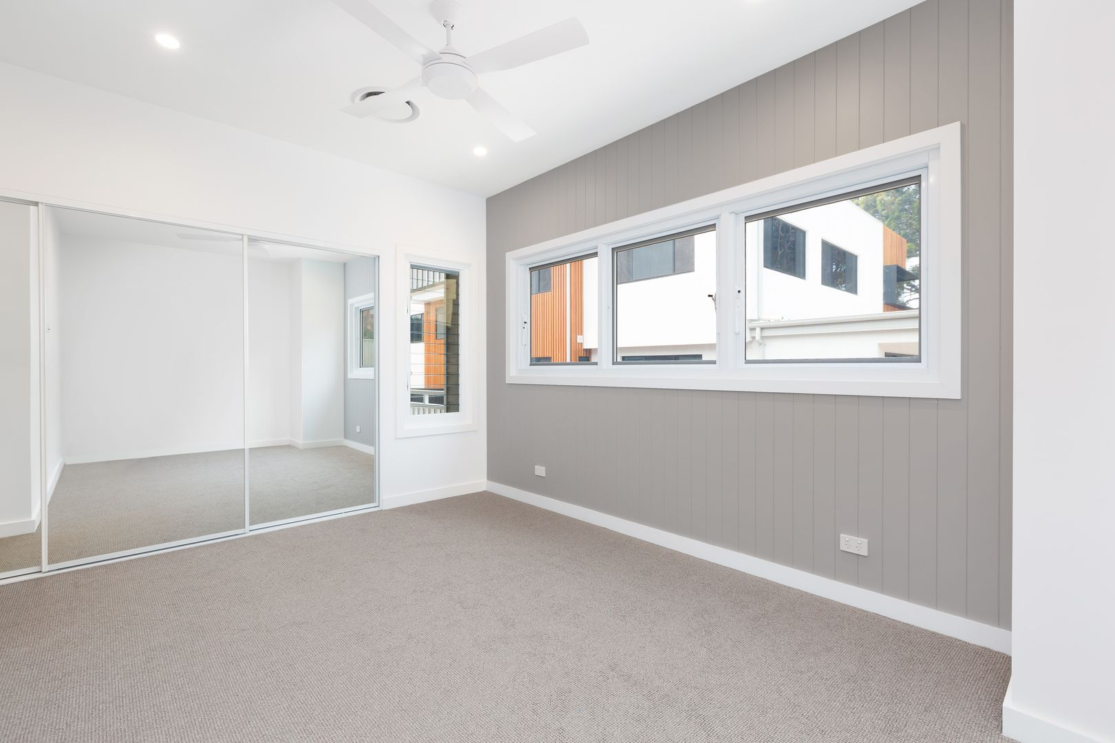 2/6 Dudley Avenue, Caringbah South NSW 2229, Image 2