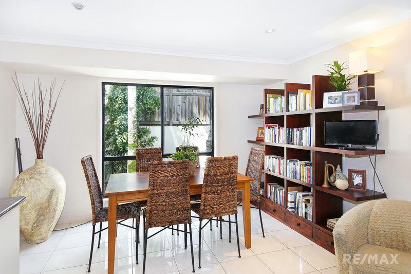2/1 Gallows Place, Palmwoods QLD 4555, Image 1