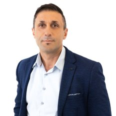 Tomas Soner, Sales representative