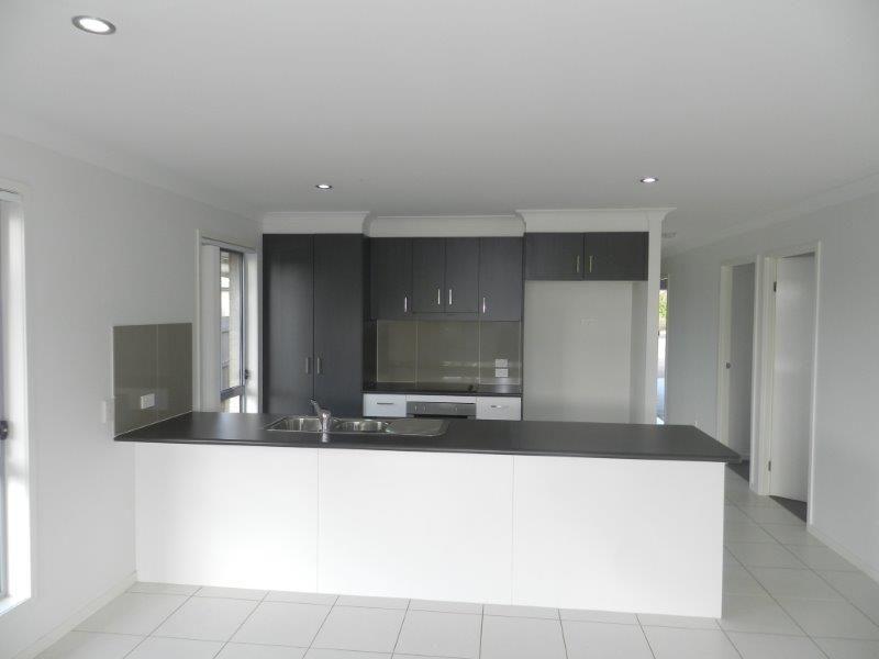 36 Cornforth Crescent, Kirkwood QLD 4680, Image 2